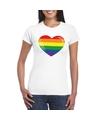 T shirt met regenboog vlag in hart wit dames